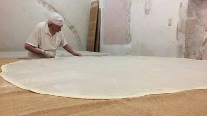 12x wat te doen in Rethymnon, baklava bakkerij