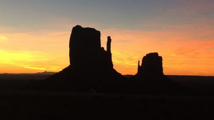 Monument_Valley_zonsopkomst_Neneh's_Choice