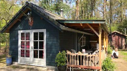 Romantisch boshuisje Emst